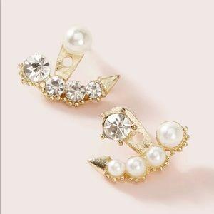 🆕Pearl rhinestone mismatch jacket earrings 🔥❤️